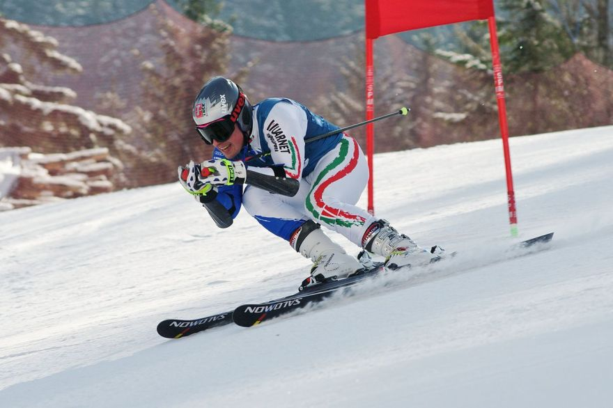 1280px-Luca_De_Aliprandini_FIS_Giant_Slalom_Hinterstoder_2010